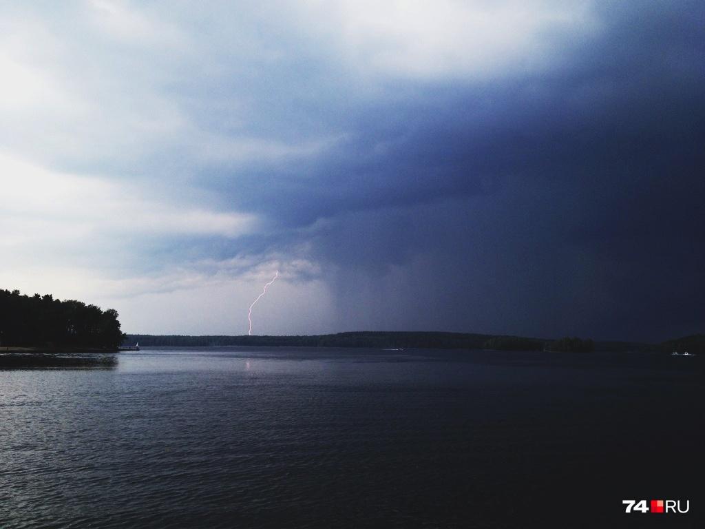 Тело женщины нашли на берегу озера Шантропай
