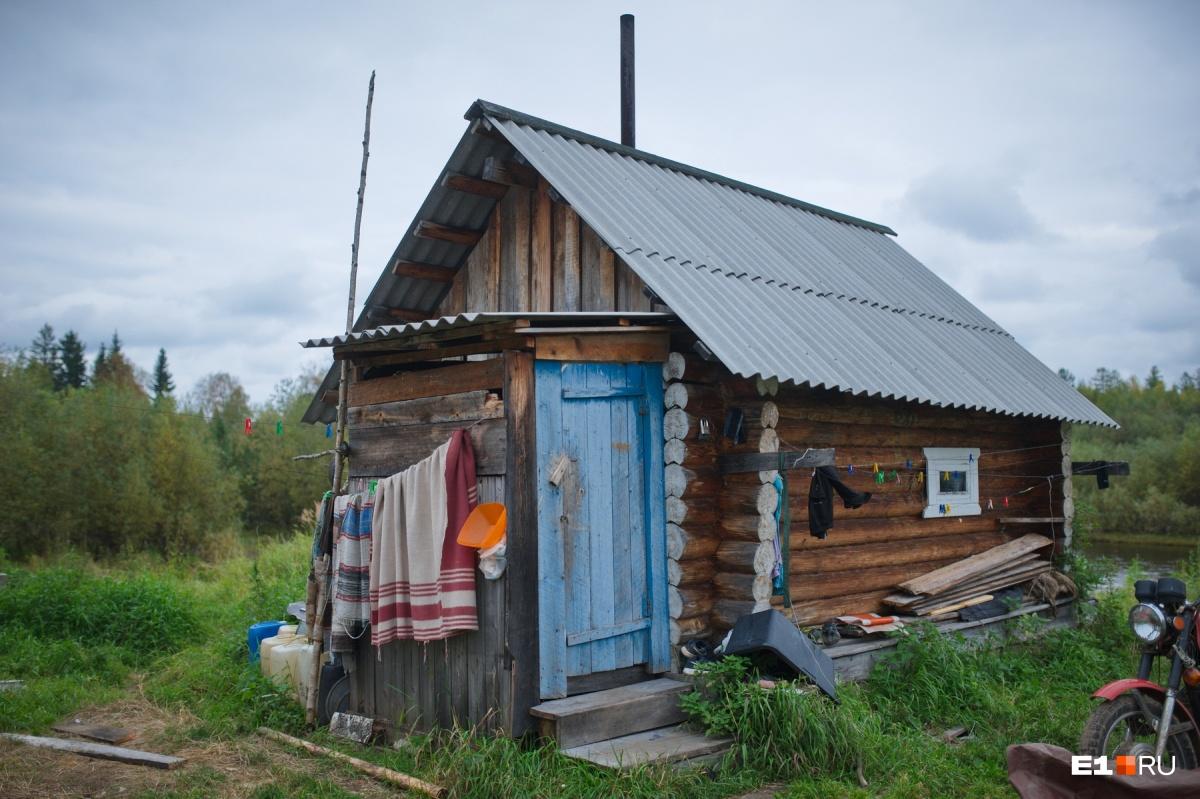 Как на территории бывшей колонии живут манси: фоторепортаж из мест, где вы вряд ли побываете