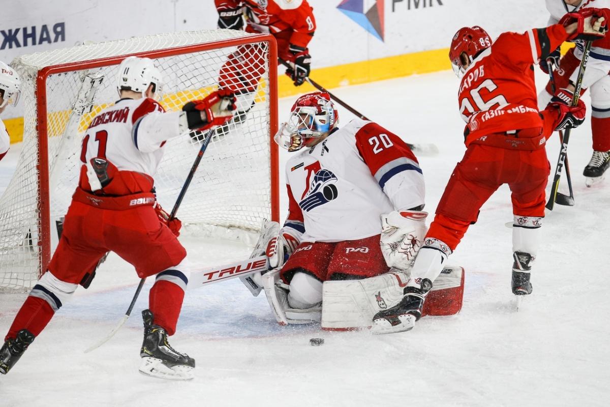 Екатеринбургский «Авто» упустил кубок Харламова в решающем матче