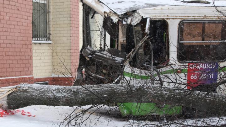 Смертельное ДТП на Московском проспекте: как всё было и почему автобус стал неуправляемым