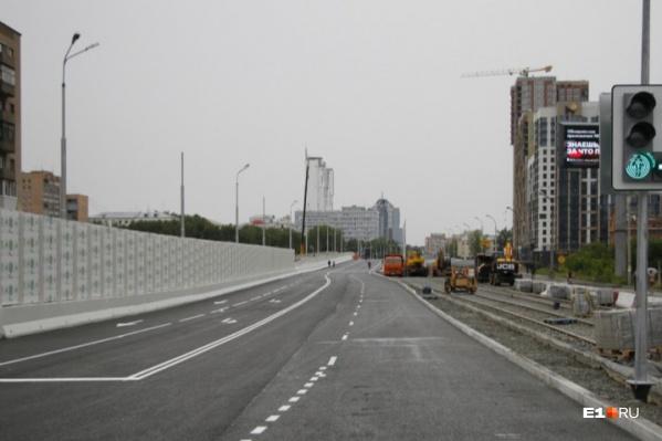 Движение по мосту перекроют около 20:00