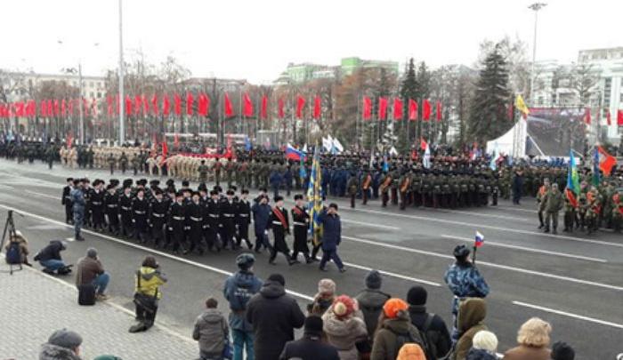 Уфимские кадеты маршировали на военном параде