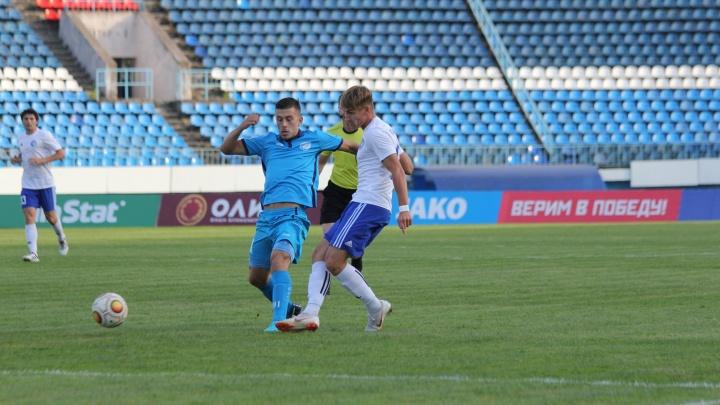 Футбол: «Сибирь» выиграла у воронежского «Факела»