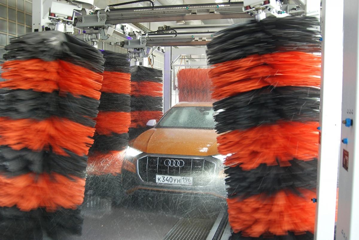 Мойка шампунем со щётками из мягкого материала SofTecs, безопасного для ЛКП автомобиля