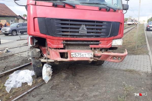 ДТП произошло 20 сентября на трамвайной остановке «Тепличная»