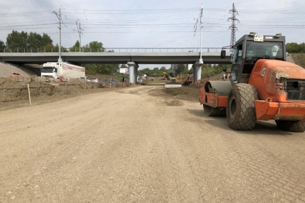 Ремонт дороги на пересечении улицы Героев Хасана и Транссибирской магистрали начался в 2017 году
