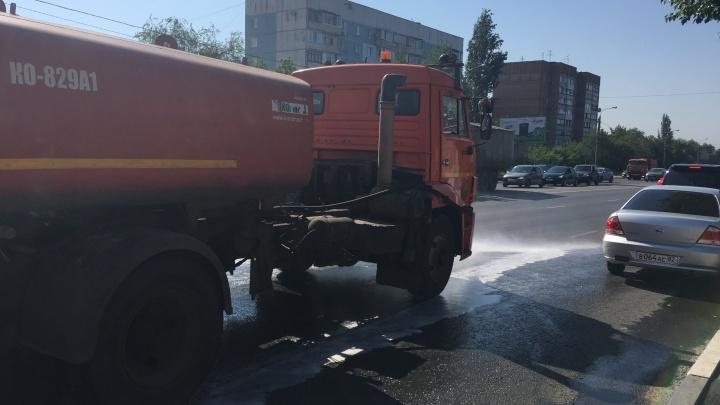 Мэрия: припаркованные машины мешают мыть улицы Самары