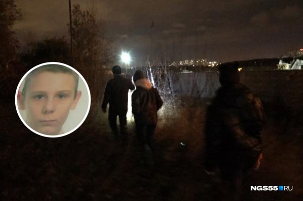 Кирилл попрощался с друзьями около трёх часов ночи, но домой так и не пришел