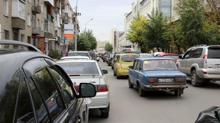 «Больше, чем в Москве»: резкий рост пробок ожидается в Красноярске после 1 сентября