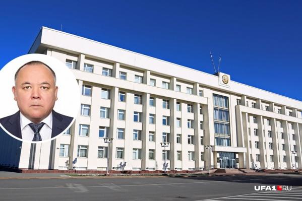 До назначения министром экологии52-летний Урал Искандаров был судьей в Арбитражном суде