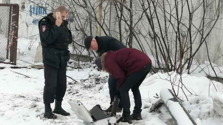 В Екатеринбурге во время ремонта труб рабочие откопали артиллерийский снаряд