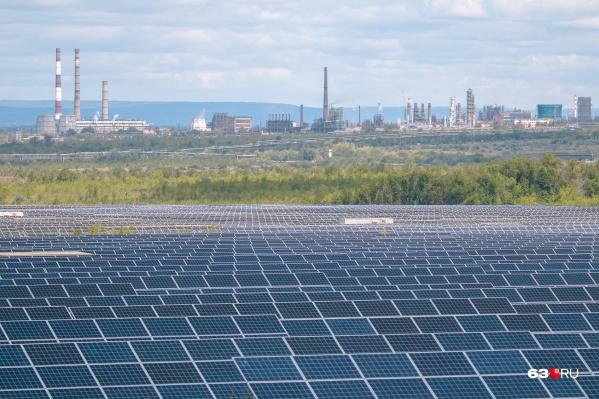 """Электростанция занимает территорию в&nbsp;<nobr class=""""_"""">2 160 000</nobr> кв. метров, что&nbsp;сравнимо с площадью более 50 тысяч хрущевок"""