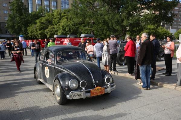 Принять участие в пробеге можно лишь владельцам машин, выпущенных до 1976 года