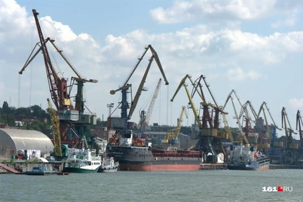 Судно стоит в ростовском порту уже второй месяц
