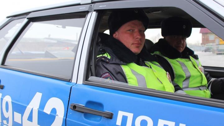 3-летней девочке стало плохо в дороге: ДПС сопровождали с мигалкой машину до скорой