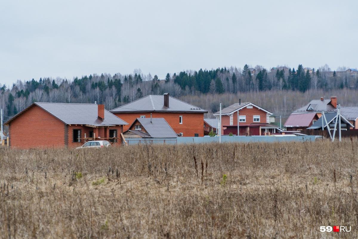 Деревня Тупица, по которой может пройти новая железная дорога