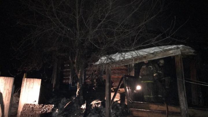 «У мужчины было 90 процентов ожогов тела»: в Прикамье на пожаре погибли два человека