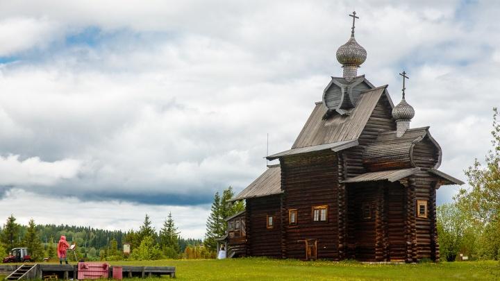 Маршрут выходного дня: избы, башни, купола в пермском музее «Хохловка»