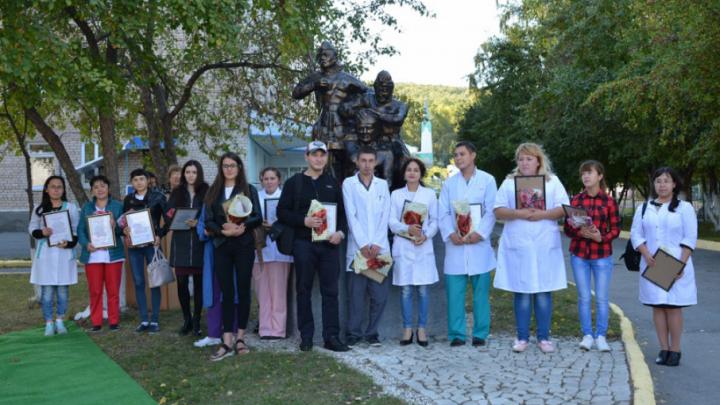 В Башкирии открыли памятник медикам