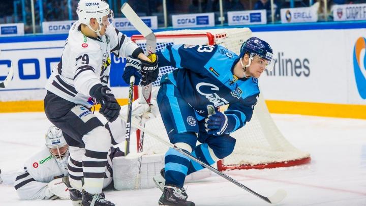 Хоккей: «Сибирь» проиграла «Трактору» в важном матче КХЛ