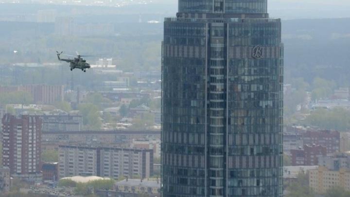 """Вертолёт """"припаркуется"""" к """"Высоцкому"""": завтра спасатели будут тушить пожар на последних этажах небоскрёба"""