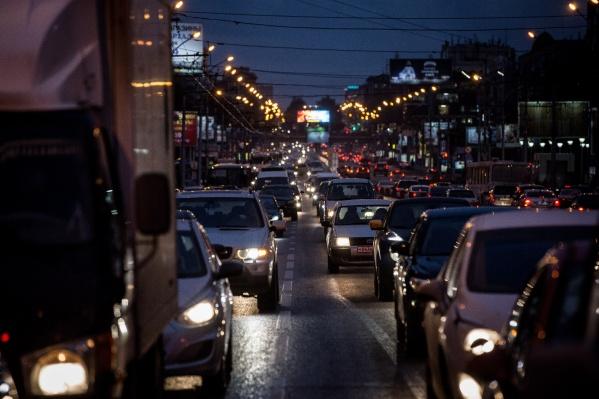 Очевидцы сообщают об авариях в разных частях города