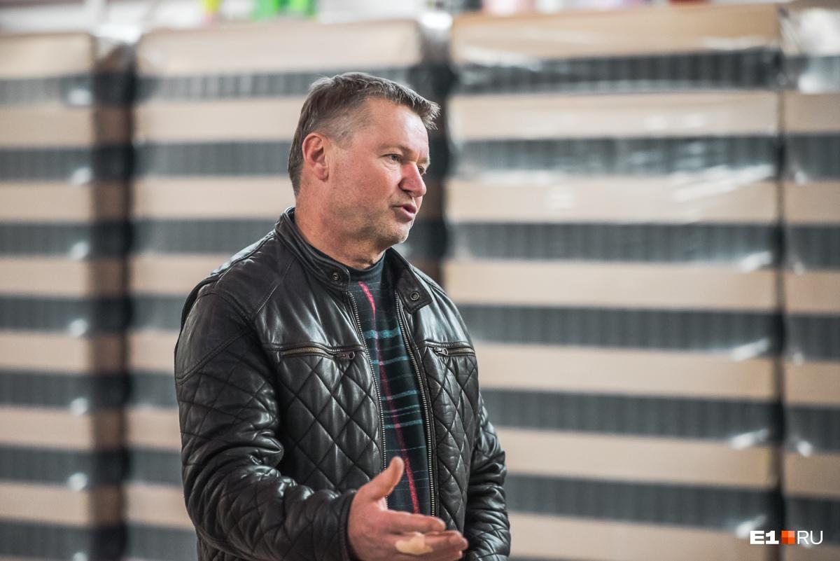 Глава семейства Владимир Елсуков (пивоварня — семейный бизнес) считает несправедливым, что склад пивоварни заморозили
