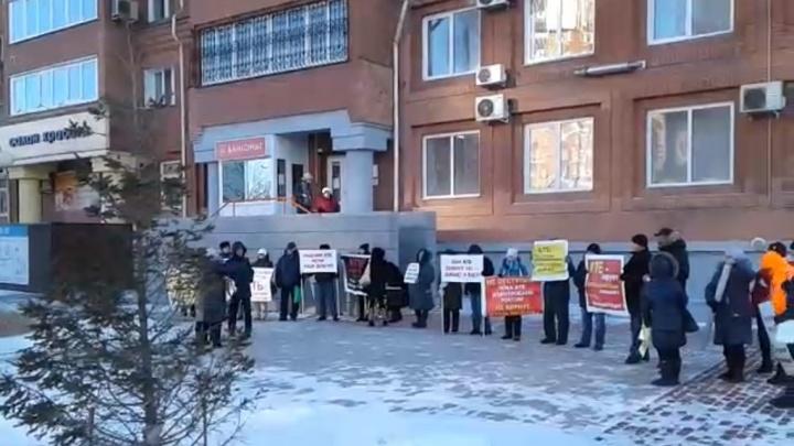 Пенсионер из Красноярска отсудил миллион с АТБ за деньги, вложенные в вексель
