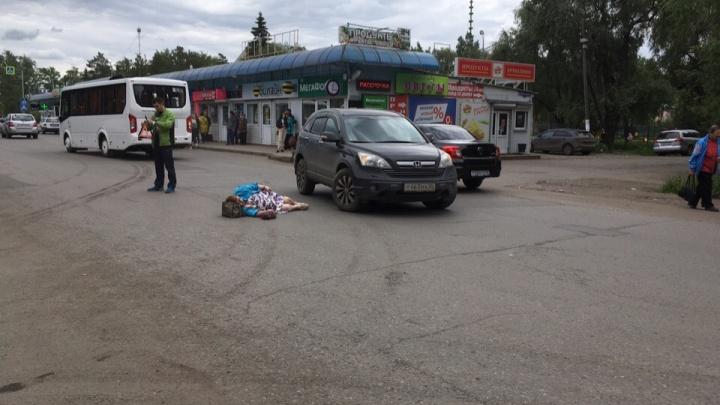 На улице Бетховена в Омске сбили пенсионерку