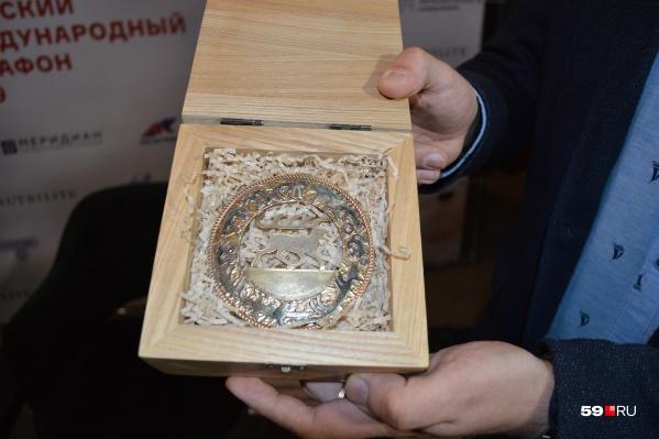 В этом году медаль будет с изображением северного оленя