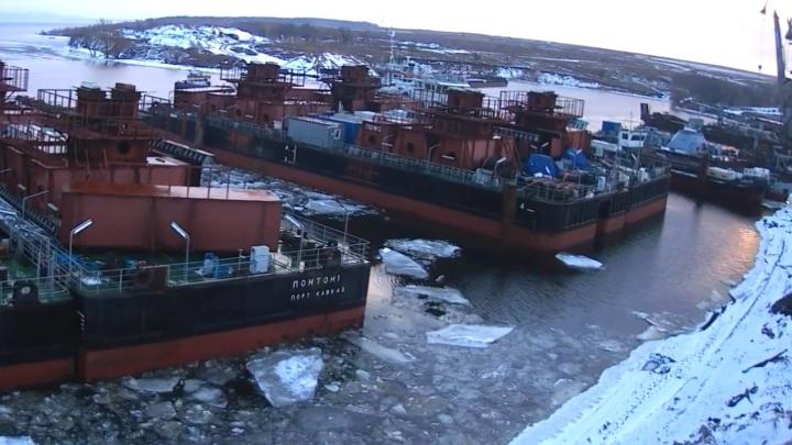 «Пригнали понтоны»: тольяттинцы сняли на видео подготовку к строительству моста у Климовки