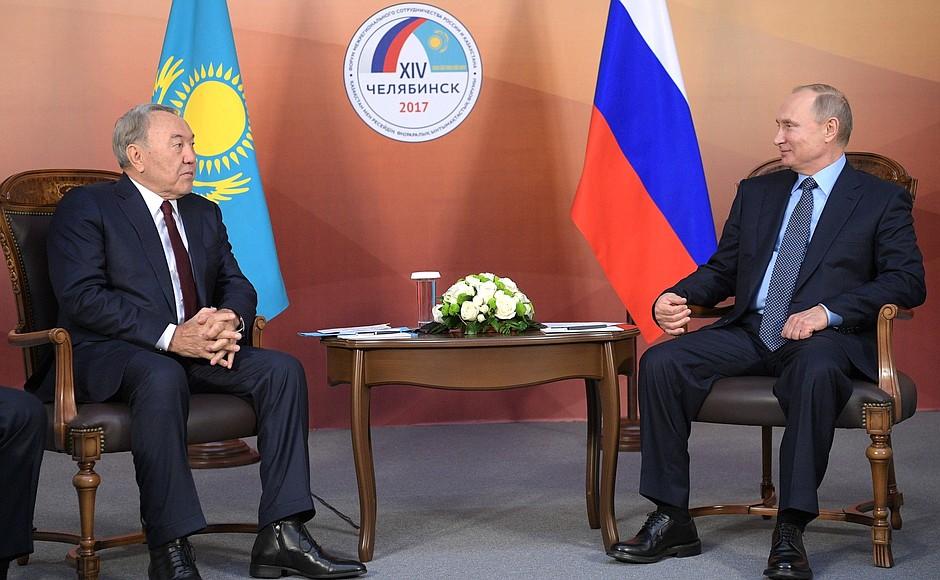 Нурсултан Назарбаев и Владимир Путин не подозревали, что подготовка к их встрече шла на самых неожиданных фронтах