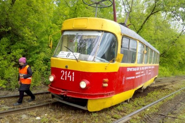 Пассажиров в вагоне было мало, о пострадавших пока не сообщается