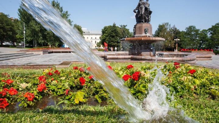 Волгоградские дороги спасают от трещин питьевой водой