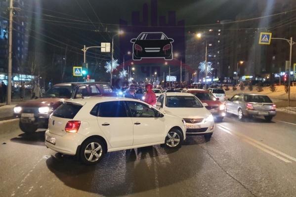 Авария произошла на улице Годенко