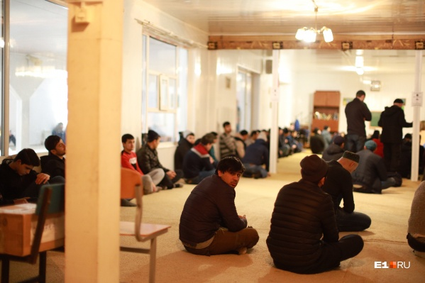 В мечети пока не знают, где будут молиться во время строительства нового помещения