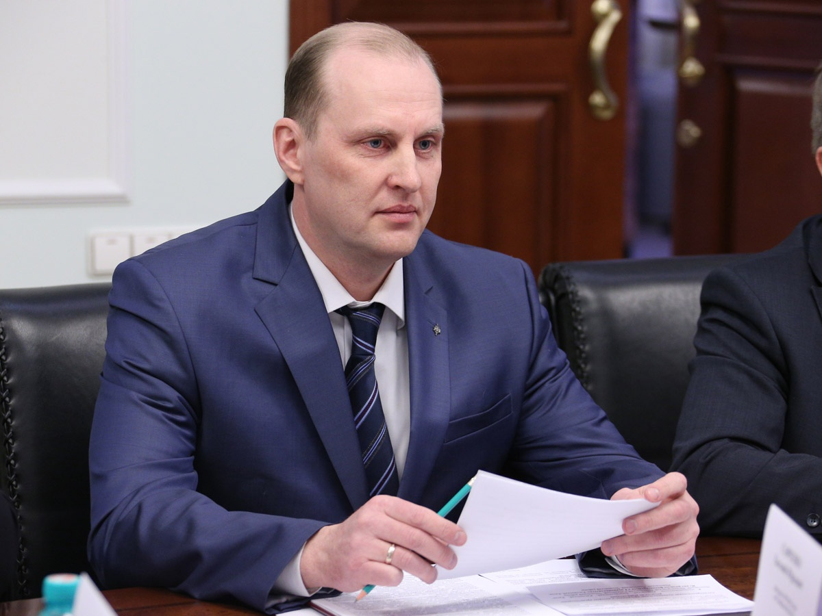 Евгений Савченко уже получил на руки уведомление о сокращении его должности