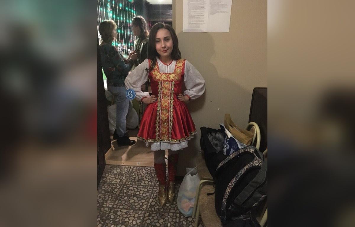 Сибирский национальный костюм девочка готовила вместе с мамой