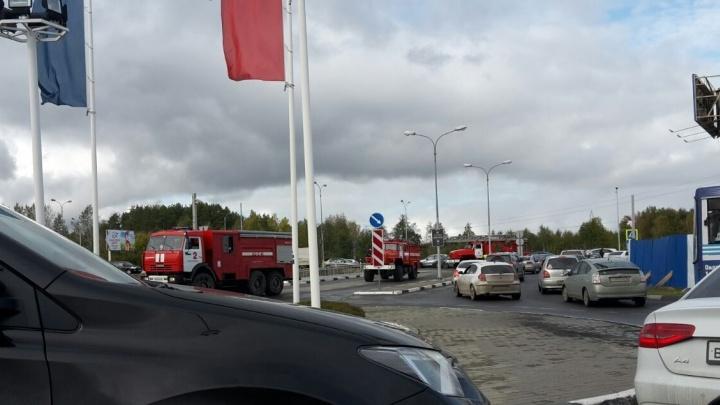 """В Екатеринбурге эвакуируют ТЦ """"Мега"""""""
