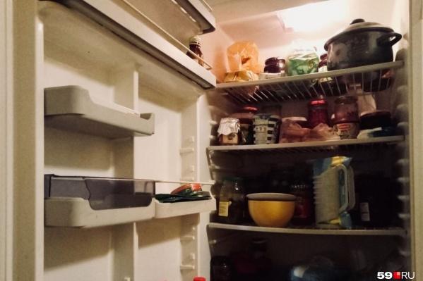 Предыдущий вариант постановления обязывал учителей выяснять, есть ли у семьи продукты для полноценного и разнообразного питания, то есть заглядывать в холодильники