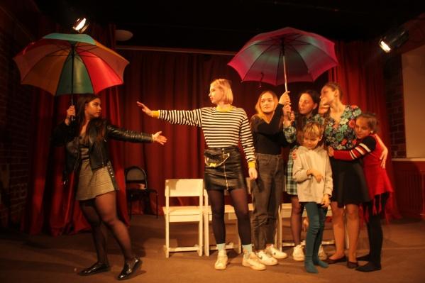 Уникальную детскую школу-театр хотели присоединить к школе искусств