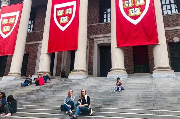 Русские студенты целятся на Гарвард и Оксфорд, часто не представляя, какую конкуренцию им составят местные и китайцы, поймавшие тренд на элитное образование
