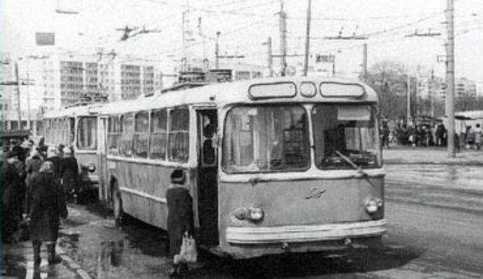 56 лет назад по улицам Уфы прошел первый троллейбус