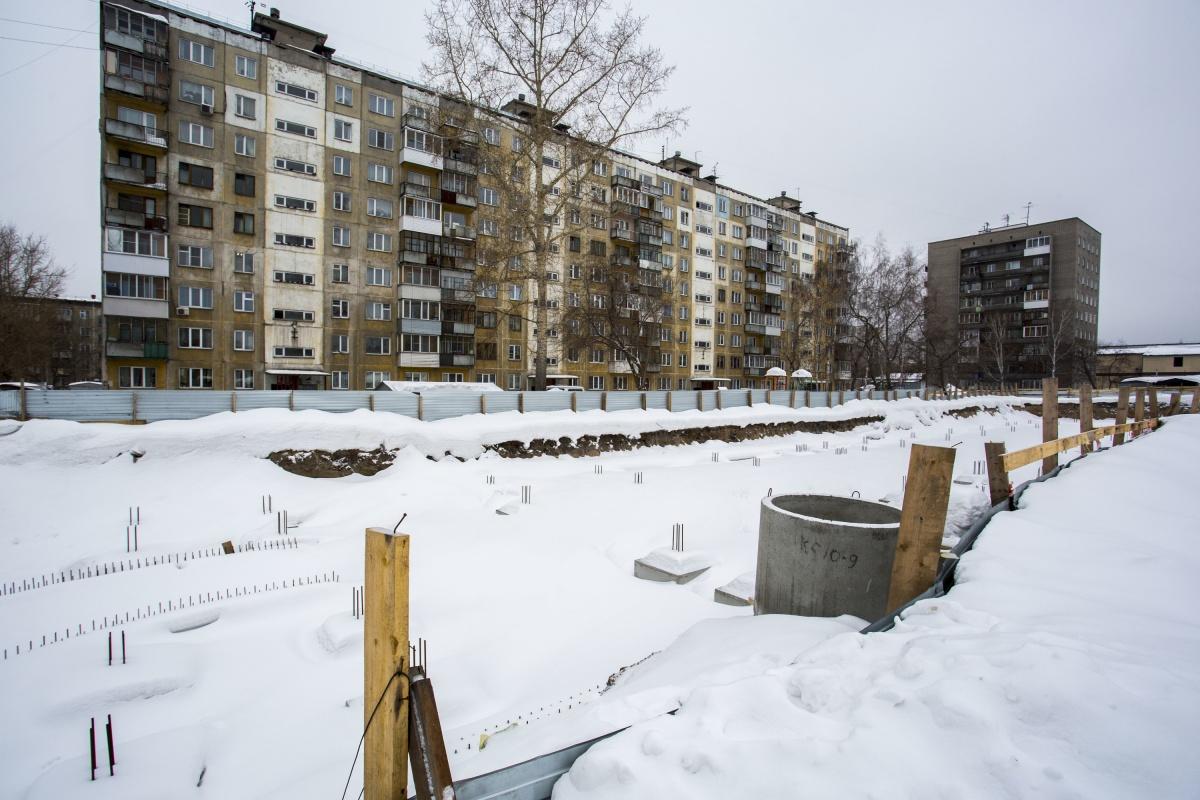 Строительство парковки уже началось и должно закончиться в течение года