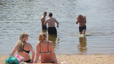 Отдыхайте дома: вслед за запретом шашлыков в Ярославле запретили купание
