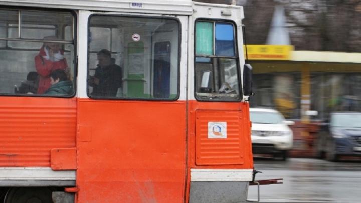 В Перми временно закрыли движение трамваев на перекрестке Сибирской и Революции