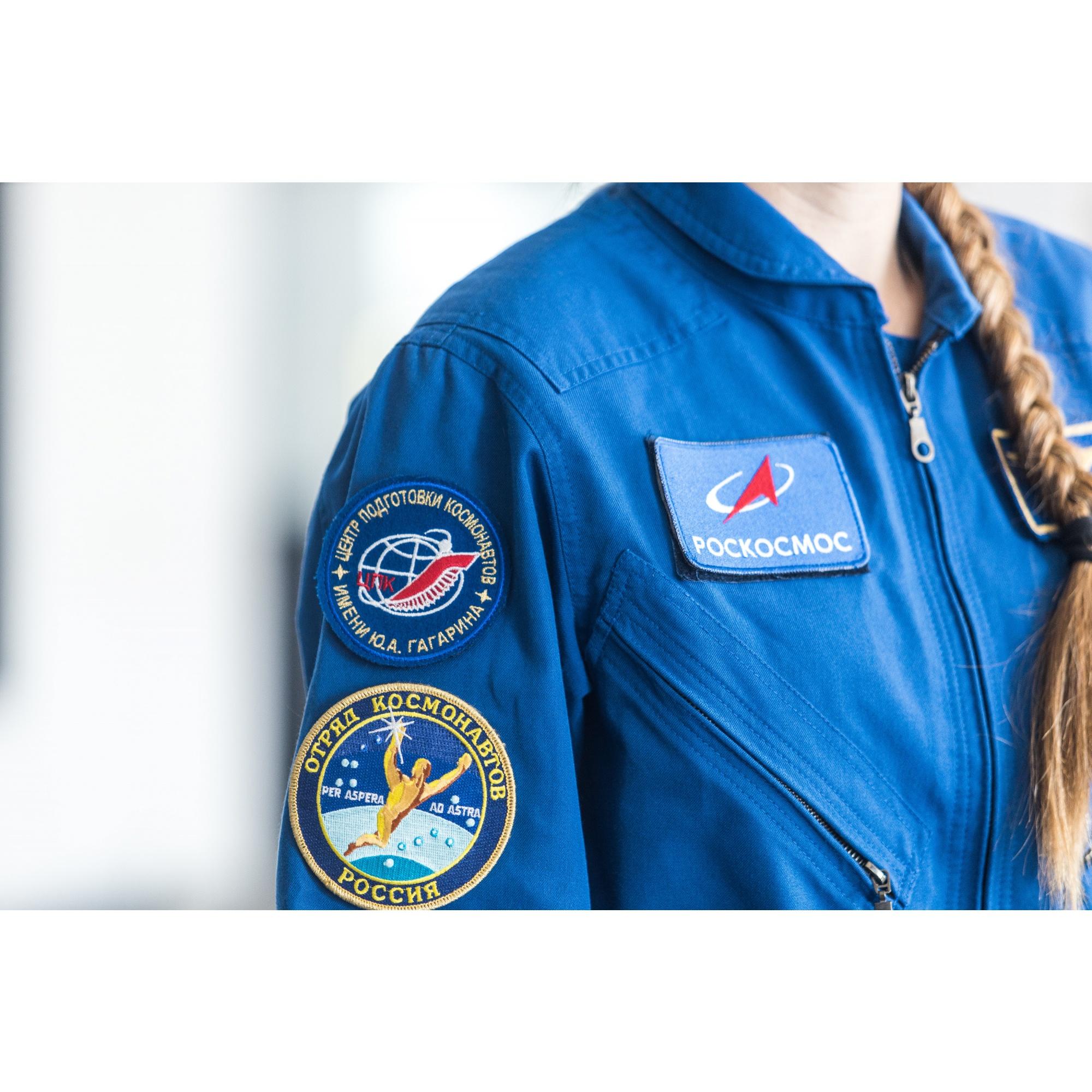 На встречу Анна пришла в официальной форме отряда космонавтов России