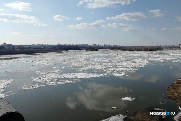 Такой вид открывается сегодня с Ленинградского моста
