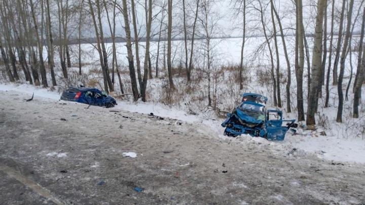 В ДТП под Заводоуковском пострадали четыре сотрудника пенсионного фонда. Одна умерла в больнице