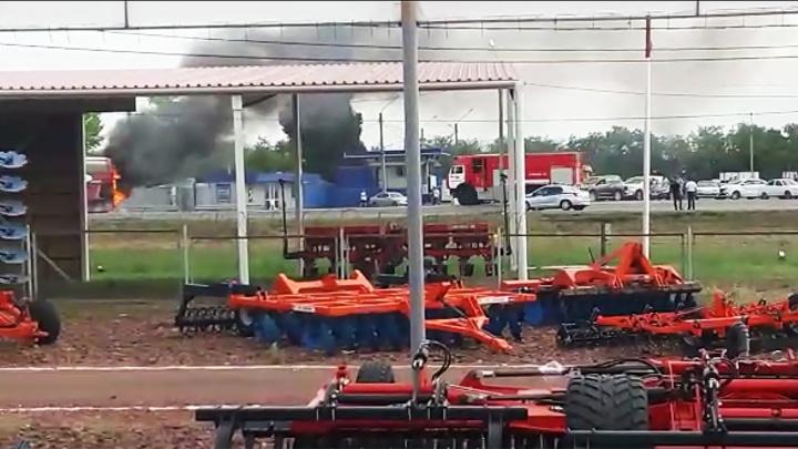 В Ростовской области загорелся автобус с детьми